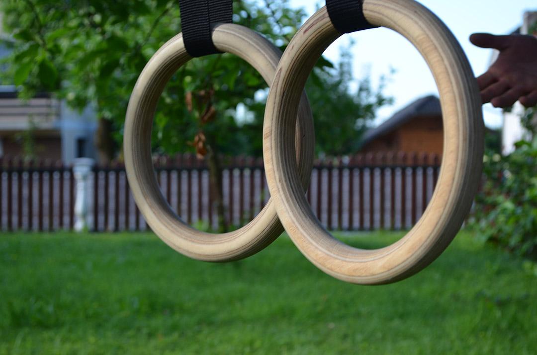 Leseni gimnastični krogi za kalisteniko