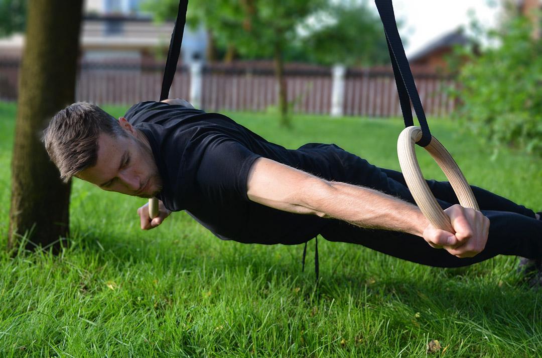 Kalistenični trening na gimnastičnih krogih