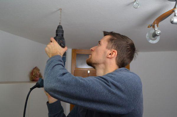 Vrtanje luknje za zidni vložek